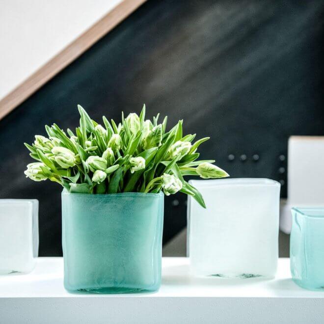 Dutz Vase